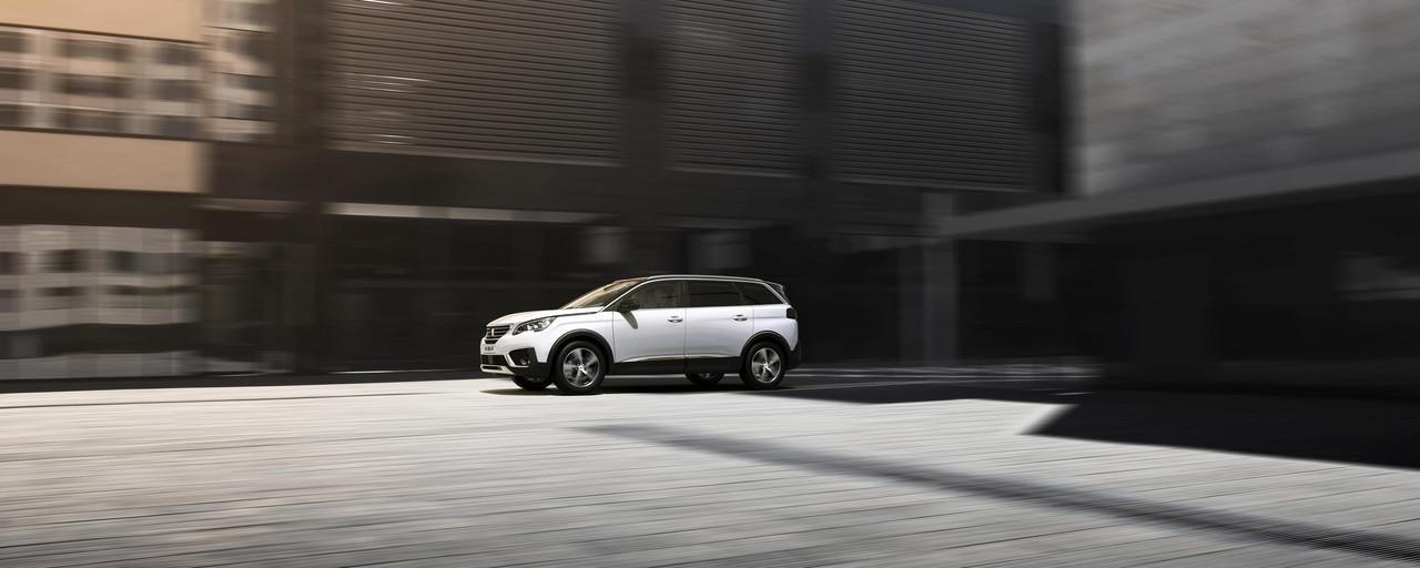 Nouveau SUV PEUGEOT 5008 GT Line : Esprit GT et confort haut de gamme