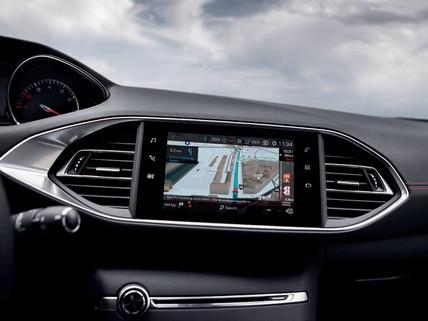 PEUGEOT 308 GTi by PEUGEOT SPORT- écran tactile et navigation 3D