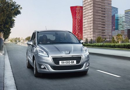 /image/06/3/peugeot-5008-traction-445.27063.jpg