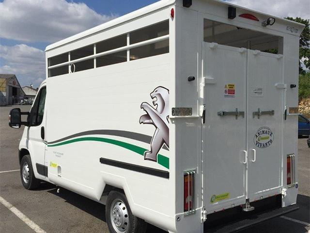 /image/08/0/peugeot-vans-chevaux-4.283080.jpg