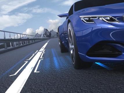 Technologie de conduite semi-autonome avec Régulateur de vitesse adaptatif avec fonction Stop & Go et système de maintien dans la voie - nouvelle berline PEUGEOT 508 pour les professionnels