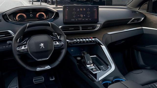 Nieuwe SUV Peugeot 5008: gemoderniseerde Peugeot i-Cockpit® met compact stuurwiel, nieuw head-up instrumentenpaneel en nieuw capacitief touchscreen