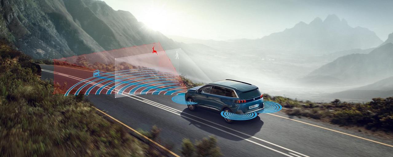 Nieuwe grote SUV Peugeot 5008 tot 7 zitplaatsen en zijn vele technologische eigenschappen
