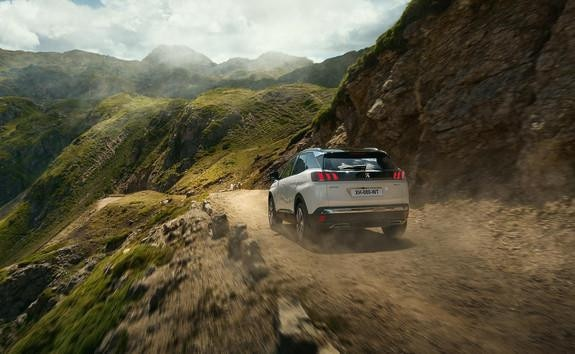 Nieuwe SUV Peugeot 3008 HYBRID - vierwielaandrijving
