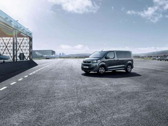 nieuwe peugeot traveller test de business van getekend peugeot. Black Bedroom Furniture Sets. Home Design Ideas