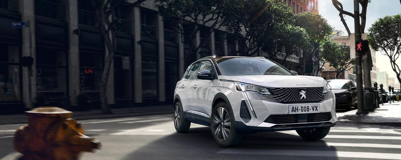 Nieuwe SUV Peugeot 3008 HYBRID – Nieuw krachtig vooraanzicht