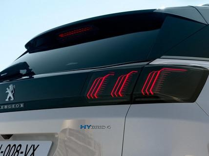 Nieuwe SUV Peugeot 3008 HYBRID – HYBRID4 BADGE