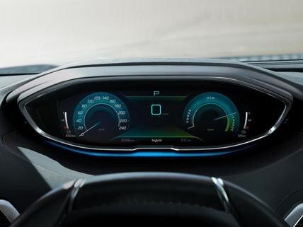 Nieuwe SUV Peugeot 3008 HYBRID – Digitaal instrumentenbord in hoge weergavekwaliteit