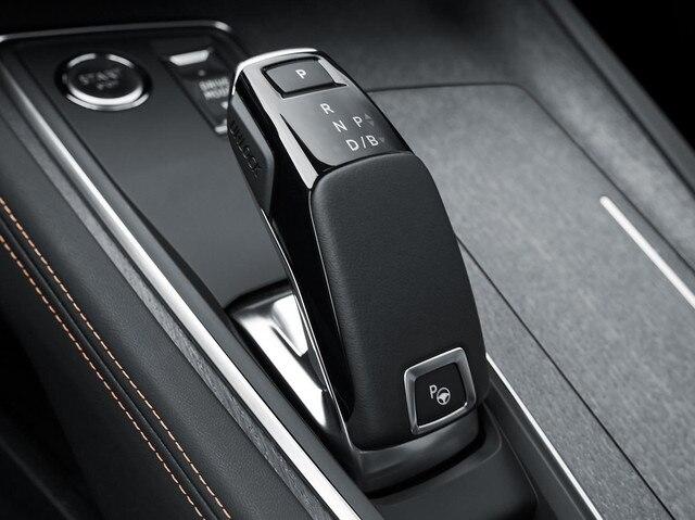 Le conducteur peut choisir d'activer une inédite fonction Brake qui permet une décélération du véhicule sans appui sur la pédale de frein.