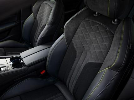 Nieuwe 508 PEUGEOT SPORT ENGINEERED : comfortabele zetels met verstelbare rugleuning