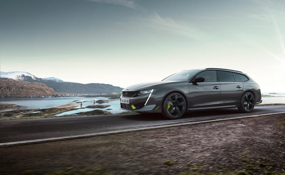 De nieuwe 508 SW PEUGEOT SPORT ENGINEERED hybride break met hoge prestaties