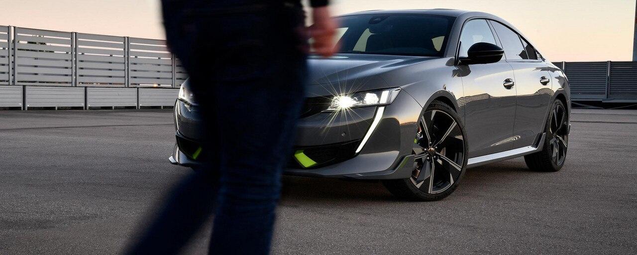 De nieuwe, krachtige hybride 508 PEUGEOT SPORT ENGINEERED