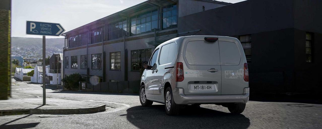 Nieuwe Peugeot e-Partner: Rijbereik en opladen