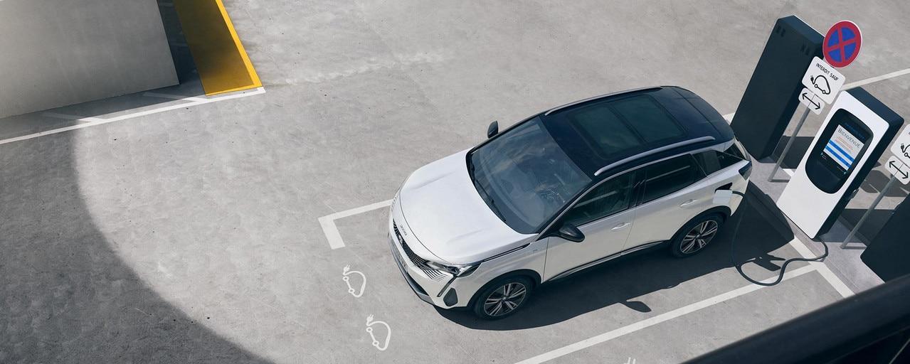 Nouveau SUV PEUGEOT 3008 HYBRID – Recharge dans parking privé