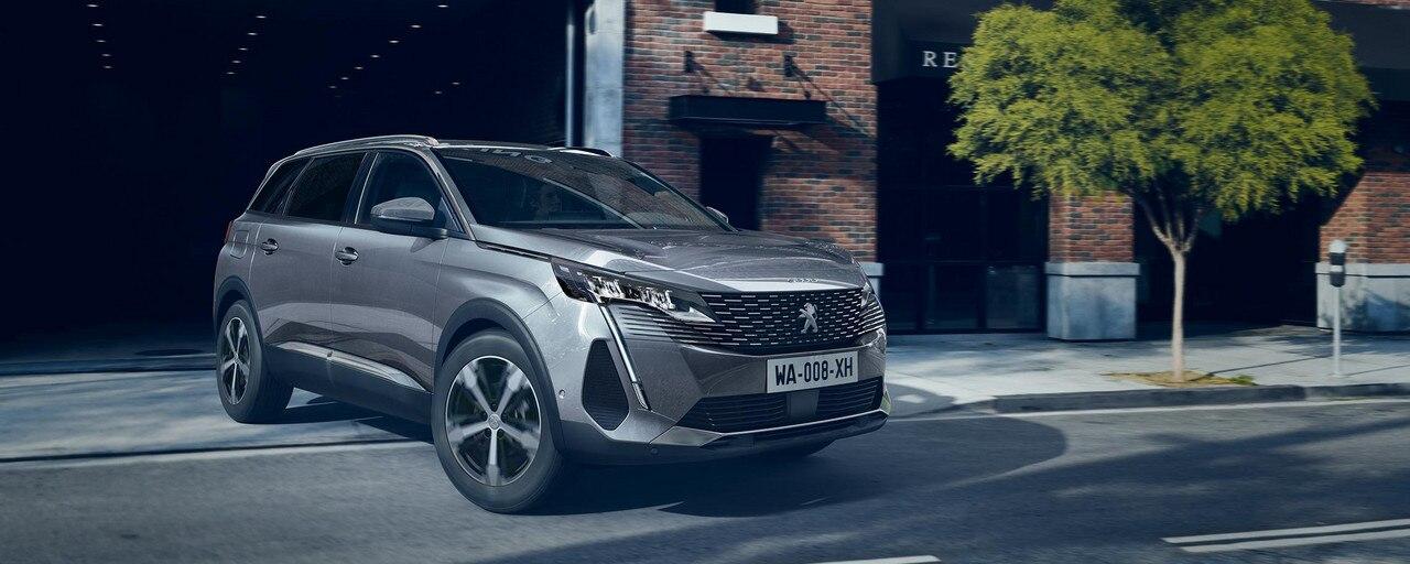Nouveau grand SUV Peugeot 5008 7 places pour les professionnels