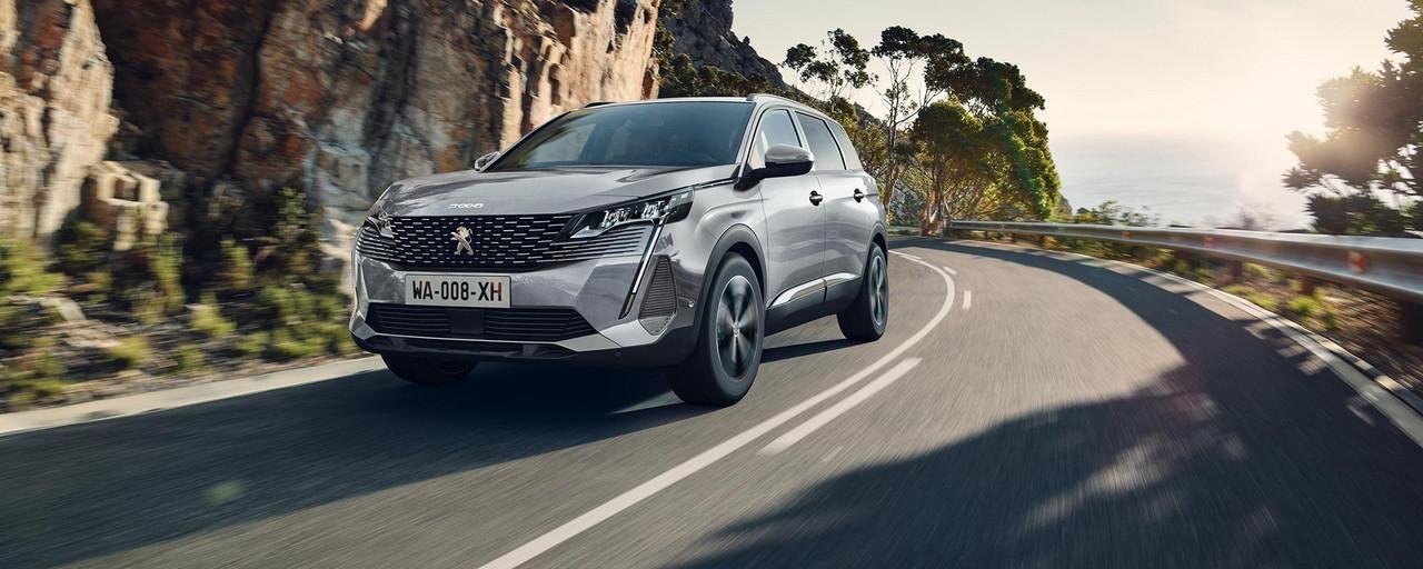 Nieuwe grote SUV Peugeot 5008 tot 7 zitplaatsen voor profesionnals