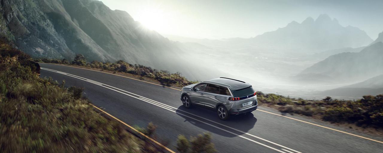 Nieuwe grote SUV Peugeot 5008 voor profesionnals