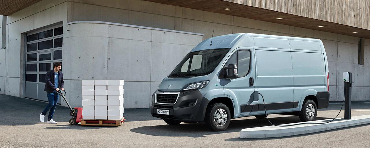 Nieuwe Peugeot e-Boxer: tot 1.890 kg laadvermogen, afhankelijk van de versies