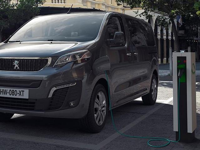 Nouveau PEUGEOT e-TRAVELLER – Combispace électrique